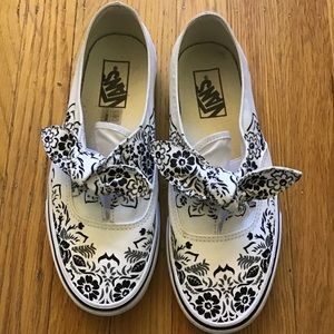 Vans Floral  Knotted Bow sneaker 8